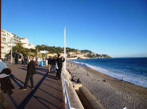 The mouth of the Paillon, right in the middle of the Promenade des Anglais