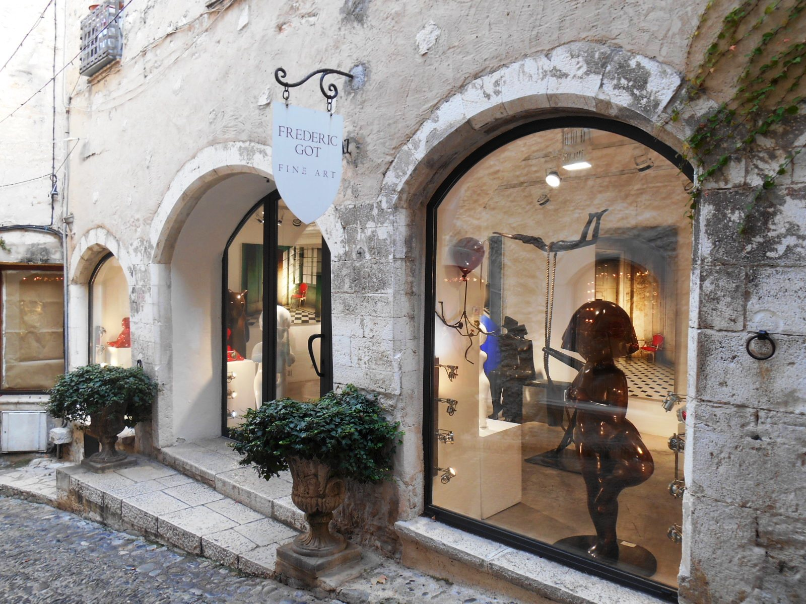 Day trip to saint paul de vence vence and saint jeannet for High end art galleries