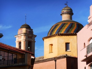 The colourful dome of the Eglise des Pénitents Blancs in Vence
