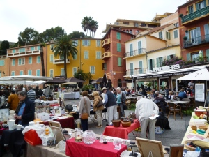 The Sunday antiques market on Place Amélie Pollonnais