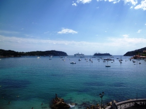 The view you can enjoy from the platform whilst waiting for the train in Villefranche!